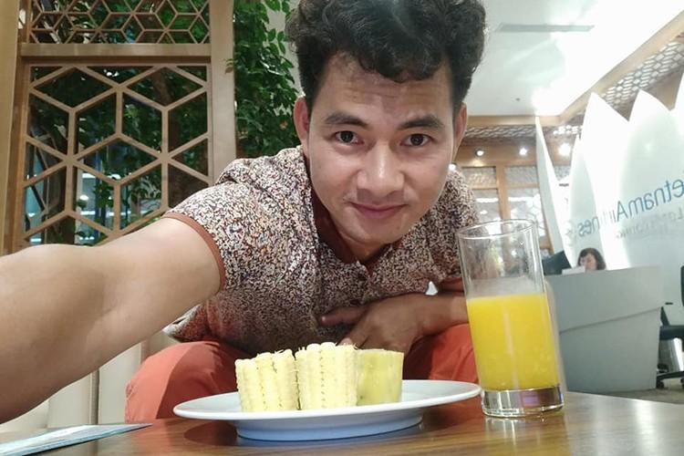 Hot Face sao Viet 24h: Xuan Bac tuoi tan giua on ao cua vo-Hinh-2