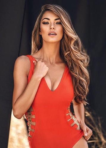 Loat doi thu dang gom cua Nguyen Thi Loan tai Miss Universe 2017-Hinh-3