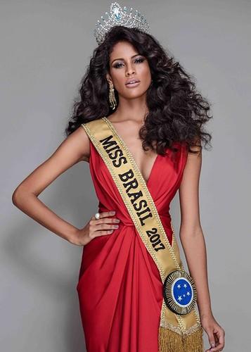 Loat doi thu dang gom cua Nguyen Thi Loan tai Miss Universe 2017-Hinh-4