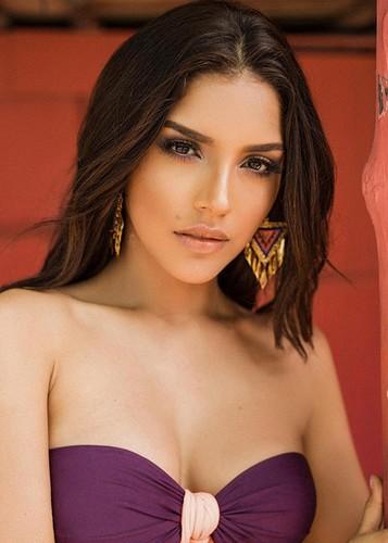 Loat doi thu dang gom cua Nguyen Thi Loan tai Miss Universe 2017-Hinh-9