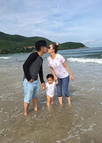 "Sao Viet yeu ""phi cong tre"": Nguoi hanh phuc, ke chia tay-Hinh-6"