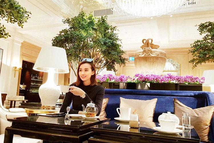 Hot Face sao Viet 24h: Truong Quynh Anh tinh tu ben Tim sau on ao-Hinh-9