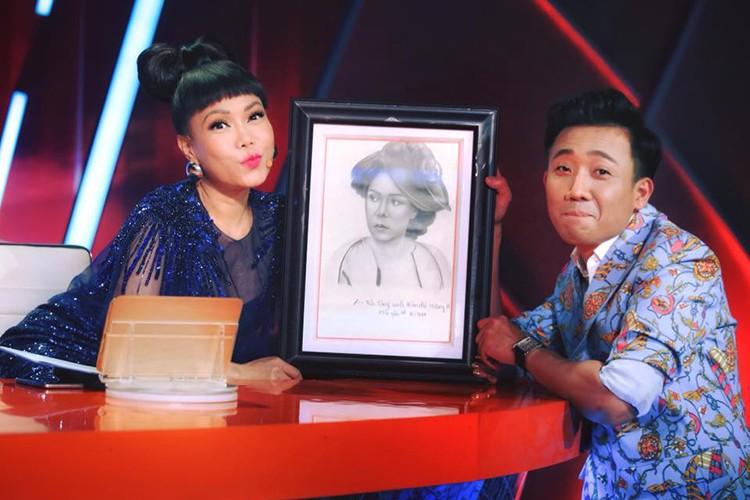 Hot Face sao Viet 24h: Vy Oanh lam dieu khong ngo sau scandal-Hinh-9