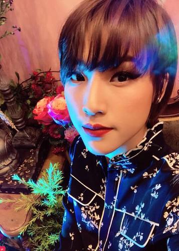 Hot Face sao Viet 24h: Hoang Thuy Linh - Vinh Thuy hen ho o Thai Lan-Hinh-14