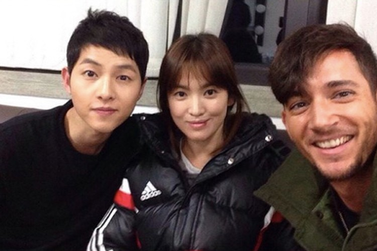 "Dan khach moi ""khung"" du dam cuoi Song Joong Ki - Song Hye Kyo-Hinh-5"