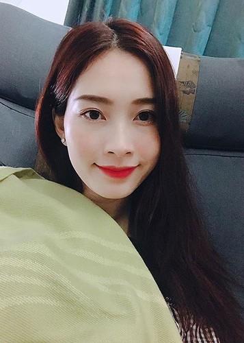 Hot Face sao Viet 24h: Dang Thu Thao khoe anh doi thuong sau dam cuoi