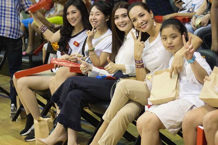 Hot Face sao Viet 24h: Thanh Thao benh vuc tan Hoa hau Dai duong-Hinh-5