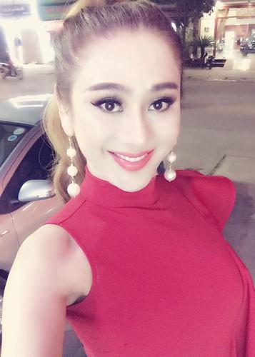Hot Face sao Viet 24h: A hau Hoang Anh xinh dep tai xuat sau sinh-Hinh-8