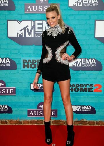 Dan sao Hollywood goi cam tren tham do MTV EMA 2017-Hinh-8