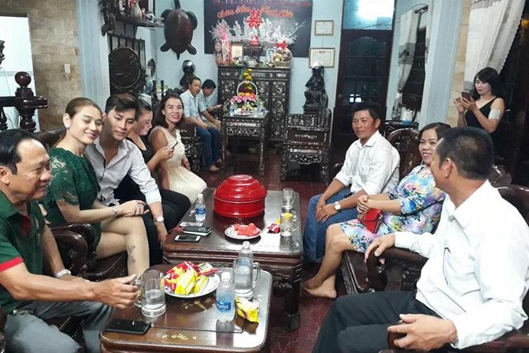 Anh dam ngo cua Lam Khanh Chi va chong sap cuoi-Hinh-2