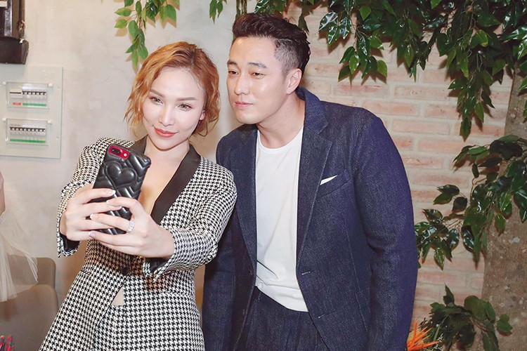 Hot Face sao Viet 24h: Tang Thanh Ha dep ngat ngay tren bia tap chi-Hinh-6