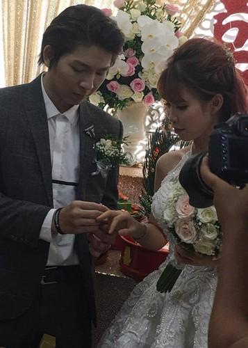 Kelvin Khanh ruoc dau bang mo to trong dam cuoi voi Khoi My-Hinh-6