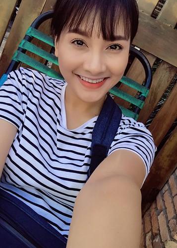 Hot Face sao Viet 24h: Dam Thu Trang mim cuoi hanh phuc-Hinh-5