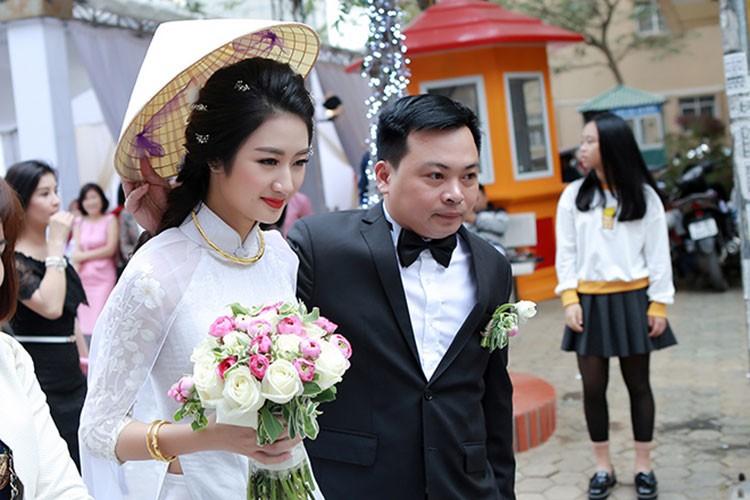 Loạt sao Việt gây bất ngờ khi làm đám cưới trong năm 2017