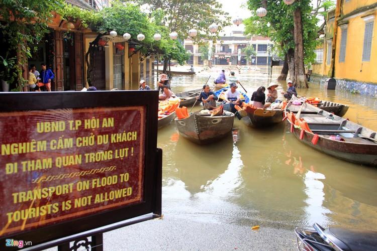 Khach Tay ri tai nhau dieu gi truoc khi toi Viet Nam?-Hinh-6
