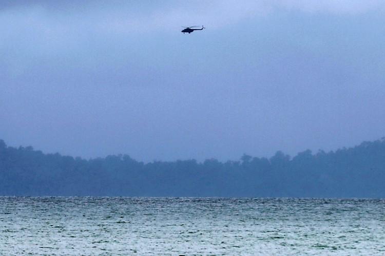 Nuoc mat trong le hoa thieu nan nhan vu roi may bay Myanmar-Hinh-7