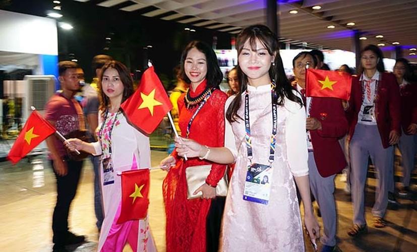 Khai mac SEA Games 29: Trai xinh gai dep doan Viet Nam toa sang-Hinh-2