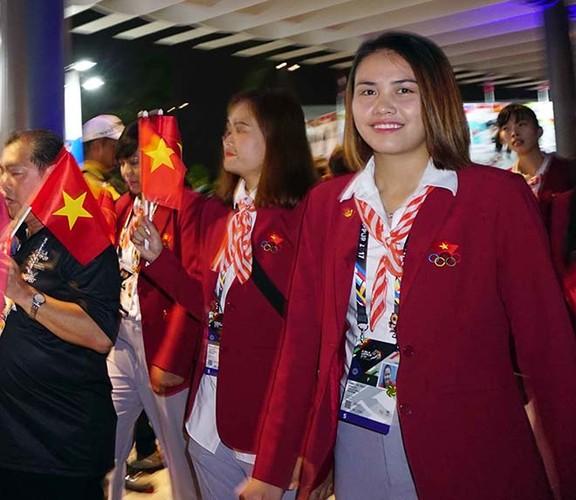 Khai mac SEA Games 29: Trai xinh gai dep doan Viet Nam toa sang-Hinh-3