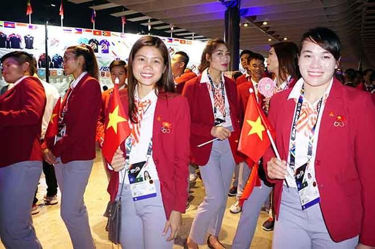 Khai mac SEA Games 29: Trai xinh gai dep doan Viet Nam toa sang-Hinh-8