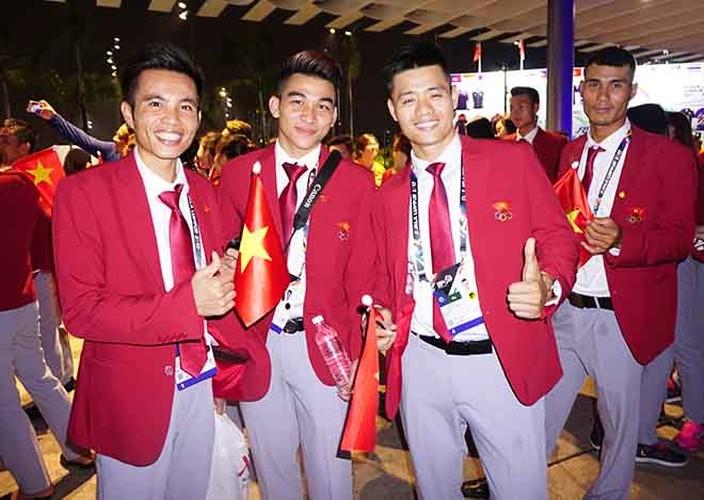 Khai mac SEA Games 29: Trai xinh gai dep doan Viet Nam toa sang-Hinh-9