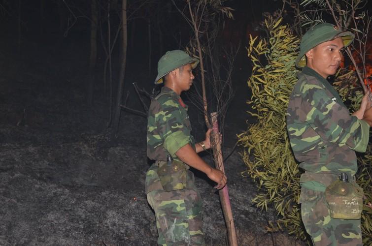 Anh: Hon 2.000 nguoi chua chay rung lon nhat lich su Ha Noi-Hinh-17