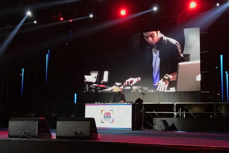 Slim V ghi diem khi trinh dien tai Asia Song Festival 2016-Hinh-5