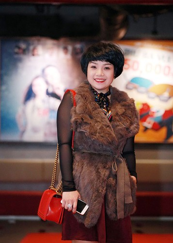 Jun Vu Dinh Hieu ngai ngung dien canh hon truoc khan gia-Hinh-11