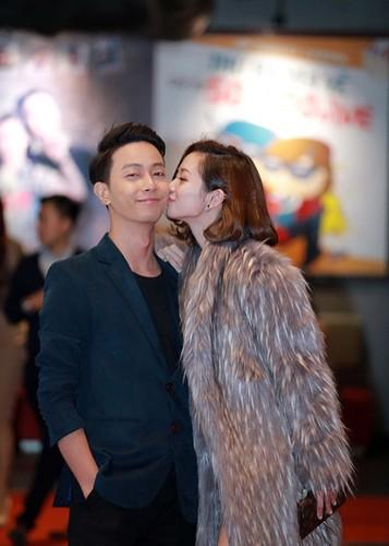 Jun Vu Dinh Hieu ngai ngung dien canh hon truoc khan gia-Hinh-4