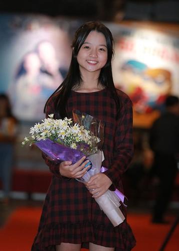 Jun Vu Dinh Hieu ngai ngung dien canh hon truoc khan gia-Hinh-9
