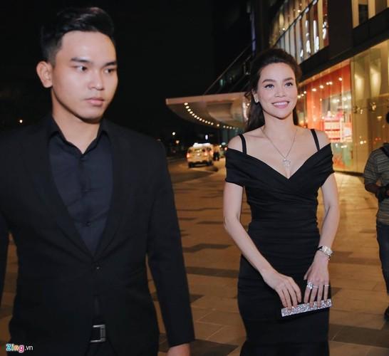Ho Ngoc Ha chay tan loan khi chay san khau