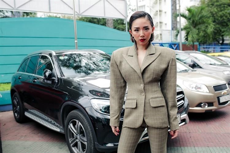 Noo Phuoc Thinh - Dong Nhi om nhau trong hau truong giua tam bao-Hinh-8