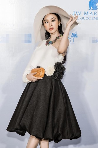 Angela Phuong Trinh va ban trai ra Phu Quoc xem show thoi trang-Hinh-4