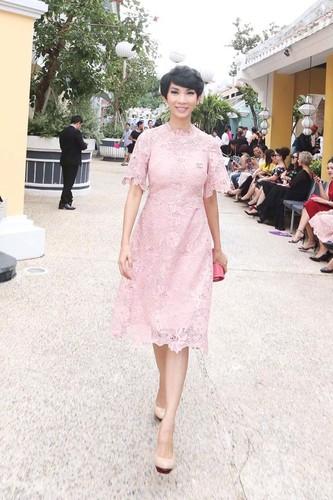 Angela Phuong Trinh va ban trai ra Phu Quoc xem show thoi trang-Hinh-5