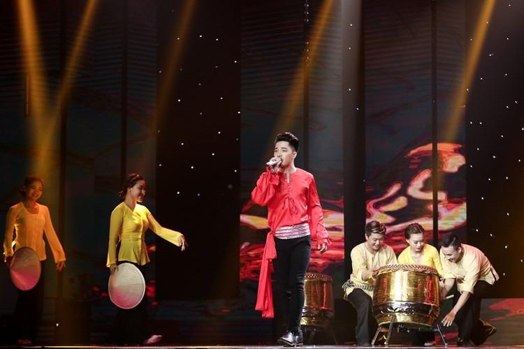 Dam Vinh Hung nam dai thuong thuc vu dao cua Ngoc Son-Hinh-2