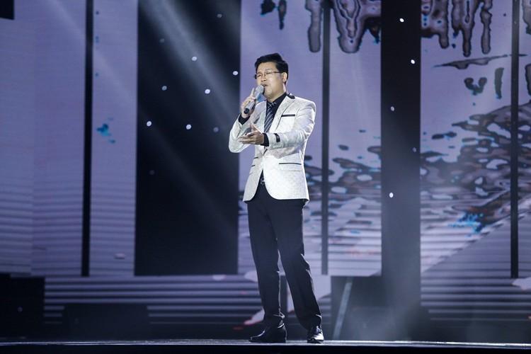 Dam Vinh Hung nam dai thuong thuc vu dao cua Ngoc Son-Hinh-5