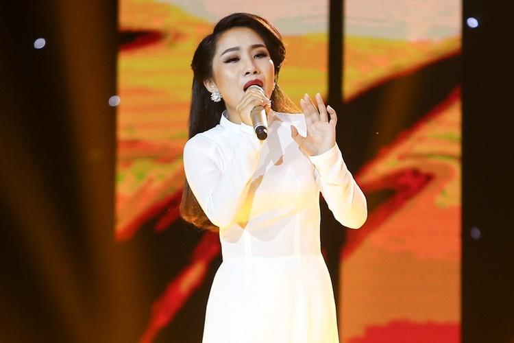 Dam Vinh Hung nam dai thuong thuc vu dao cua Ngoc Son-Hinh-9