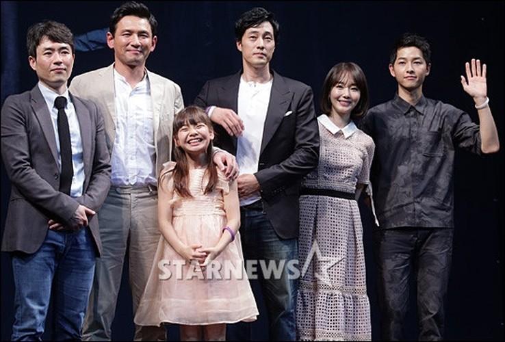Song Joong Ki tuoi tan sau khi lo bang chung yeu Song Hye Kyo-Hinh-6