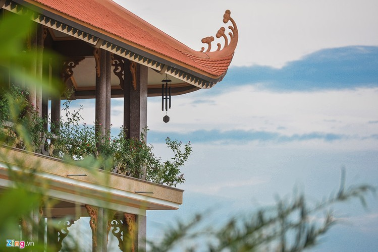 Chiem nguong ngoi chua ven bien dep nhat Quang Ninh-Hinh-12