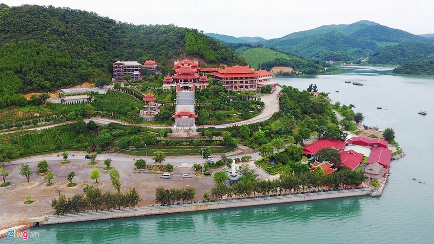 Chiem nguong ngoi chua ven bien dep nhat Quang Ninh