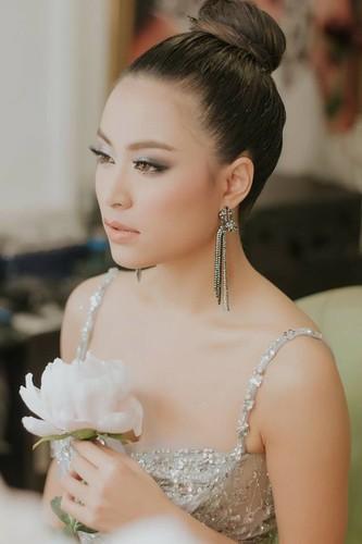 Hoang Thuy Linh: Tu Vang Anh hoa Phuong Hoang quyen ru-Hinh-14