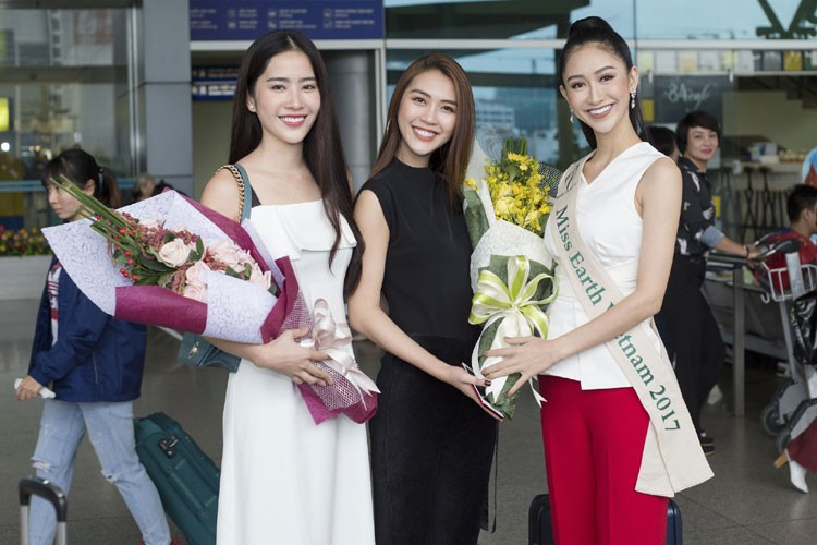 Ha Thu mang theo 10 kien hanh ly den Philippines thi Miss Earth-Hinh-5