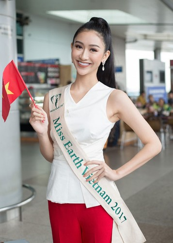Ha Thu mang theo 10 kien hanh ly den Philippines thi Miss Earth-Hinh-8