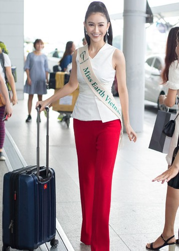 Ha Thu mang theo 10 kien hanh ly den Philippines thi Miss Earth
