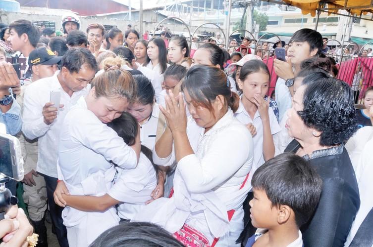 Nguoi tinh den vieng sao nu Campuchia bi chong ban chet-Hinh-12