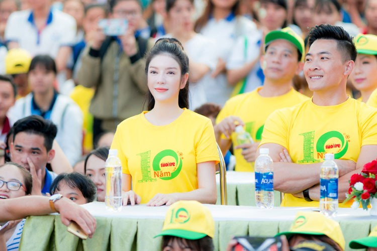 Ly Nha Ky cu xinh dep the nay fan nao ma cha yeu!-Hinh-2