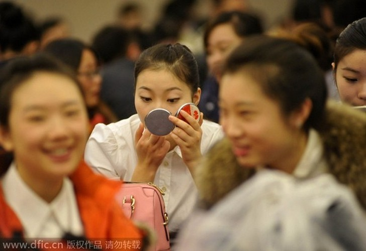 My nu khoe sac trong cuoc thi tuyen tiep vien hang khong-Hinh-3
