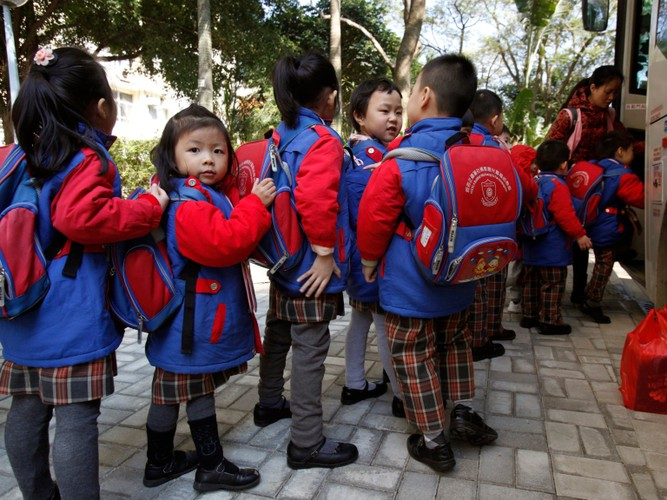 Ngam dong phuc hoc sinh o cac nuoc tren the gioi-Hinh-12