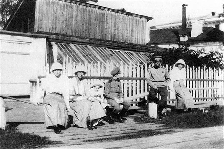 Anh hiem ve Sa hoang Nikolai II bi luu day o Siberia-Hinh-6