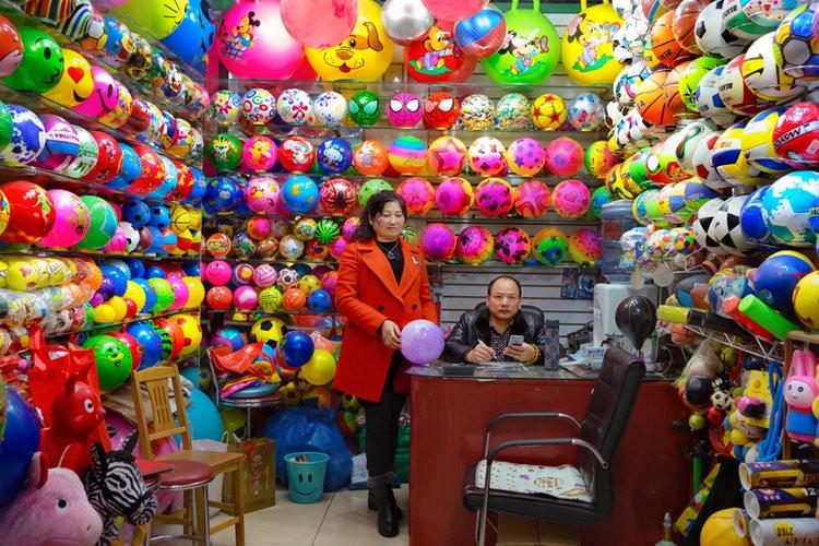 """Lac vao thanh pho hang """"made in China"""" cua the gioi-Hinh-10"""