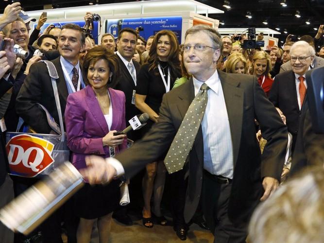 Thoi quen cua Bill Gates: An burger va rua bat moi toi-Hinh-5
